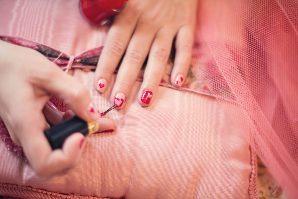 Top 7 tips to Avoid Brittle Nails | Modeets©